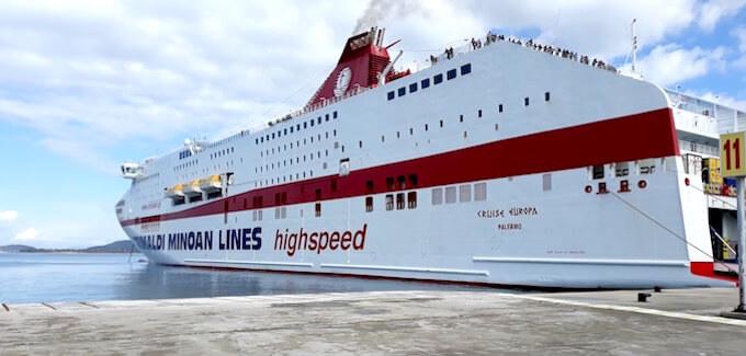 La nave Cruise Europa di Minoan Lines nel porto di Igoumenitsa