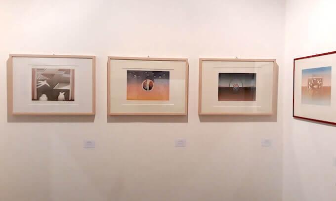 Alcune opere di Folon in mostra alla Galleria Nuages di Milano