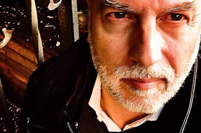Lo scrittore Simone Cozzi