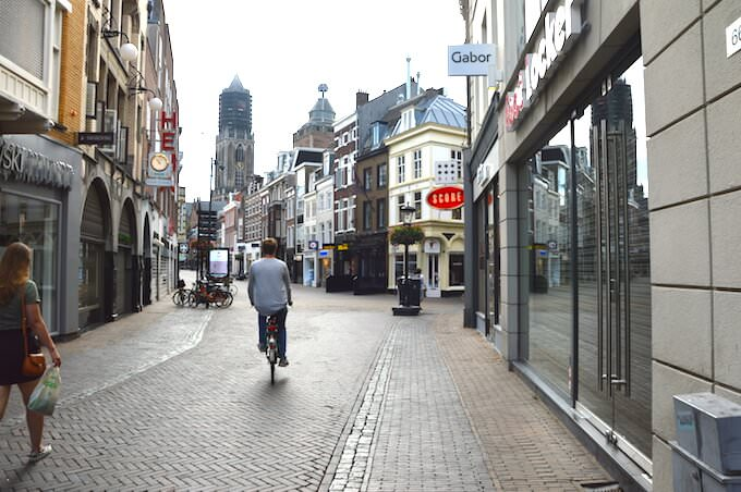 Verso la Domtoren di Utrecht, in Olanda