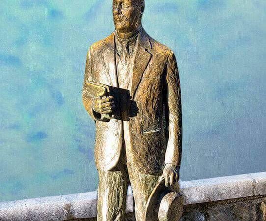 Statua di Italo Svevo di Nino Spagnoli a Trieste (particolare)