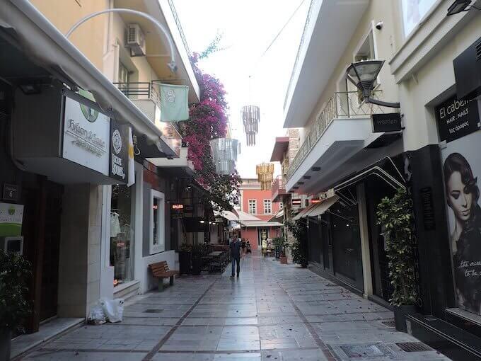 Un vicolo di Iraklio (Creta)