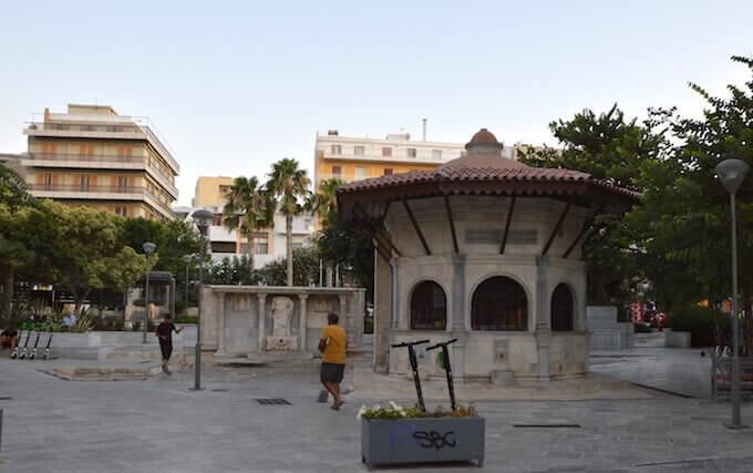 La stazione di pompaggio turca e la fontana Bembo a Iraklio, Creta