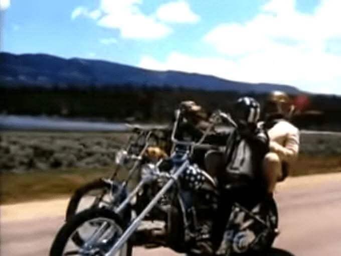 """Un'immagine del film """"Easy Rider"""" di Dennis Hopper"""