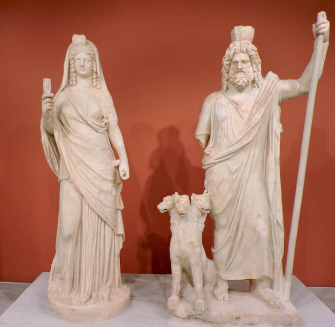 Gruppo di Persefone, Ade e Cerbero: Museo Archeologico di Iraklio (Creta)