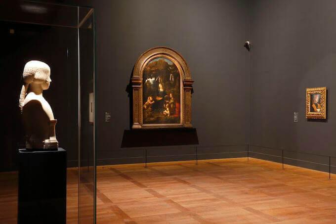 """Veduta di una sala della mostra """"Leonardo da Vinci"""" al Museo del Louvre di Parigi © Musée du Louvre -Antoine Mongodin"""