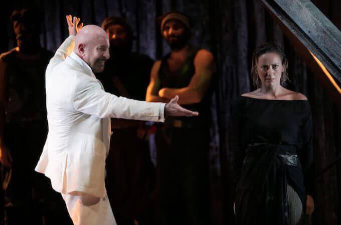 """Sebastiano Lo Monaco e Barbara Moselli in """"Antigone"""", foto di Antonio Parrinello"""