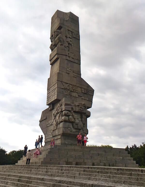 Danzica: il grande monumento alla battaglia, in cima alla penisola