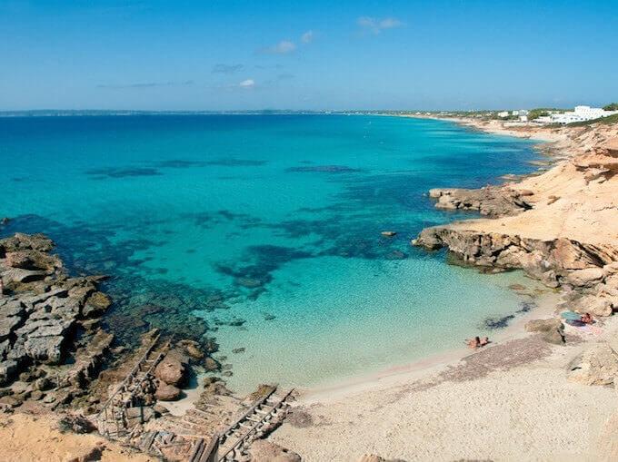 La spiaggia di Caló Des Mort a Formentera