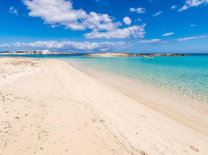 Playa de Es Pujols a Formentera