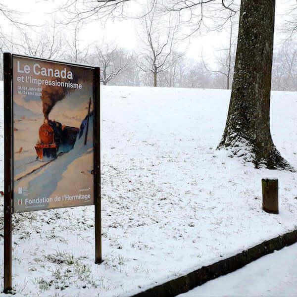 """Cartello pubblicitario della mostra """"Le Canada e l'Impressionisme"""" alla Fondation de l'Hermitage di Losanna. Foto di Saul Stucchi"""