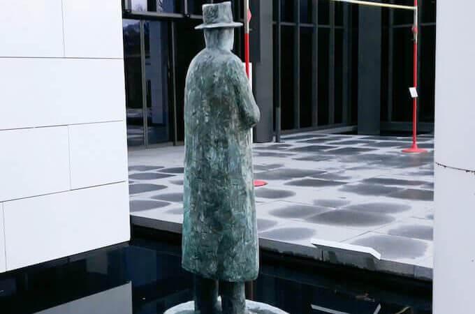 Museo Olimpico di Losanna: l'omino della pioggia di Folon