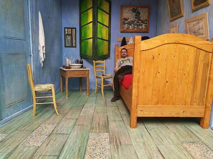Il regista Alberto Oliva (à la van Gogh)