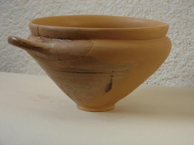 Skyphos etrusco in mostra a Vimercate