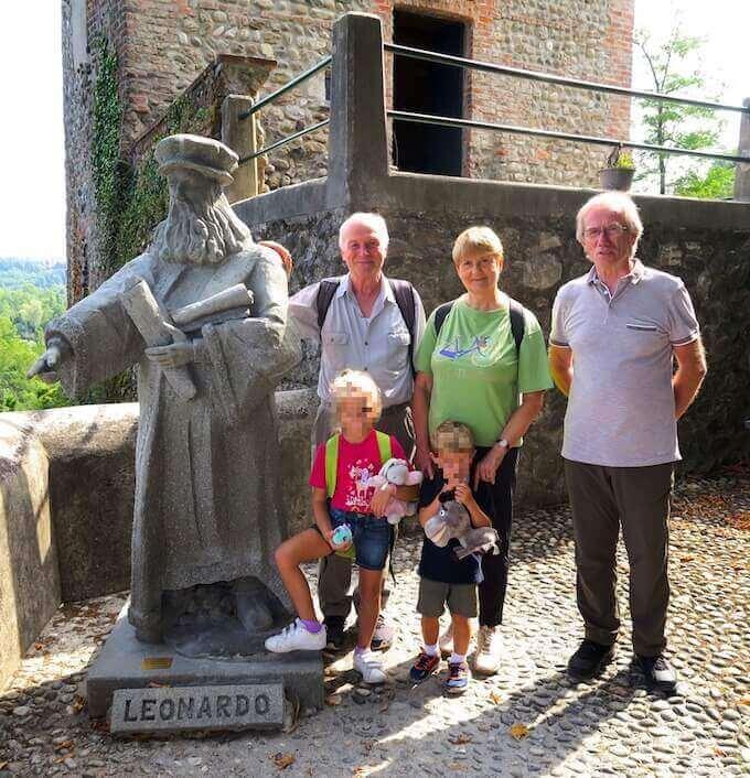 Giovanni Bortolin con moglie e nipoti alla Rocchetta