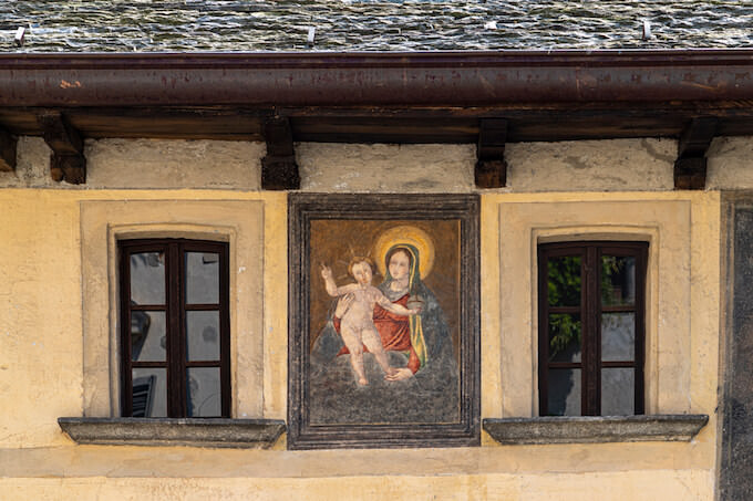 """Orta San Giulio. """"Casa dei Nani"""" (Casa Marangoni). Foto di Camillo Balossini"""