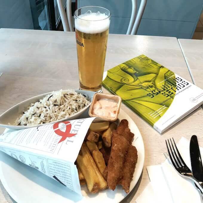 Cena in un bar della stazione di Basilea