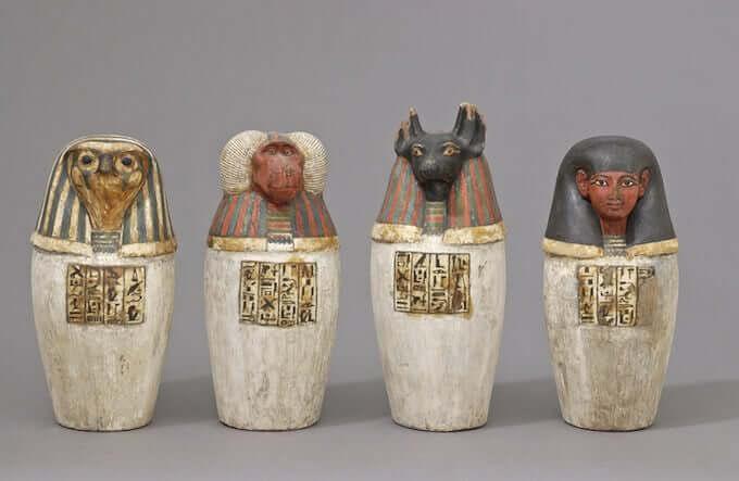 Simulacres de vase canope au nom de Padiouf