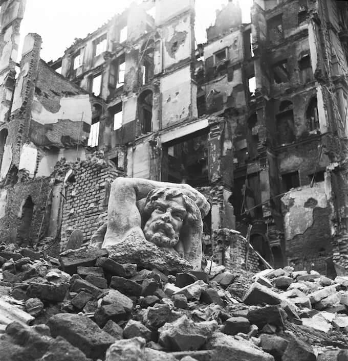 """Mostra """"Ma noi ricostruiremo"""" alle Gallerie d'Italia di Milano"""