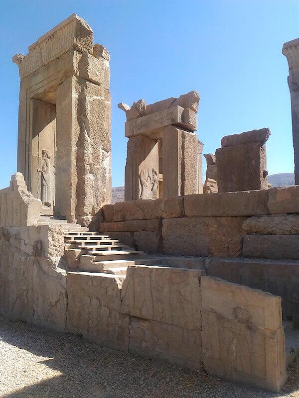 Persepoli: architravi e bassorilievi