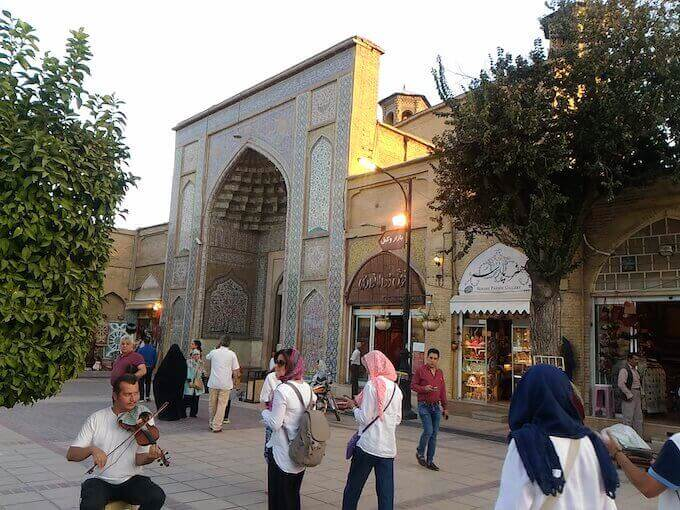 La moschea Vakil e l'ingresso del bazar a Shiraz