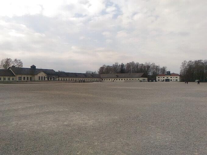 La piazza dell'appello del campo di Dachau