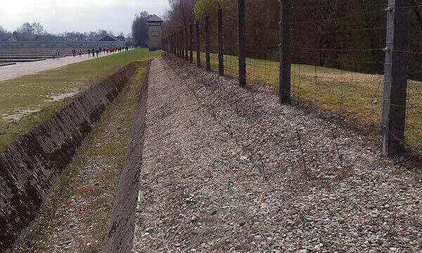 La recinzione del campo di Dachau
