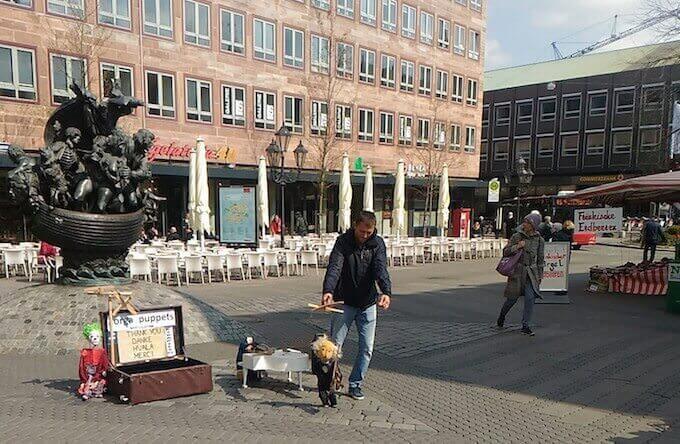 Una delle fontane in ferro di Norimberga
