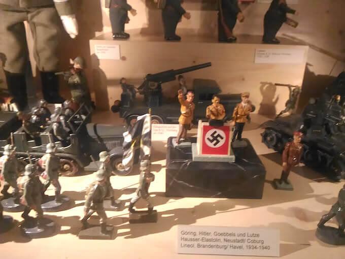 Soldatini del Terzo Reich nel Museo del Giocattolo di Norimberga