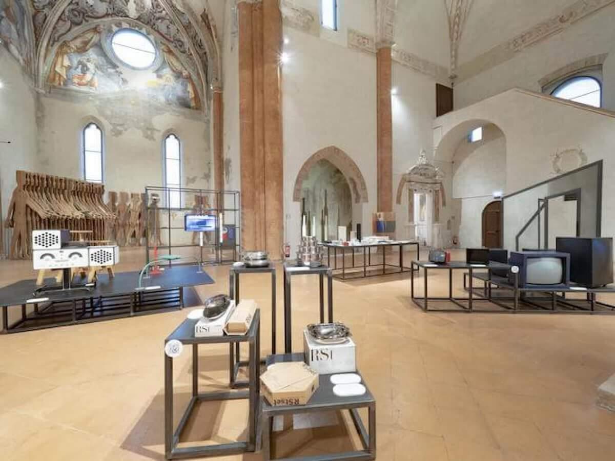 """Mostra """"Design! Oggetti, processi, esperienze"""" all'Abbazia Valserena di Parma"""