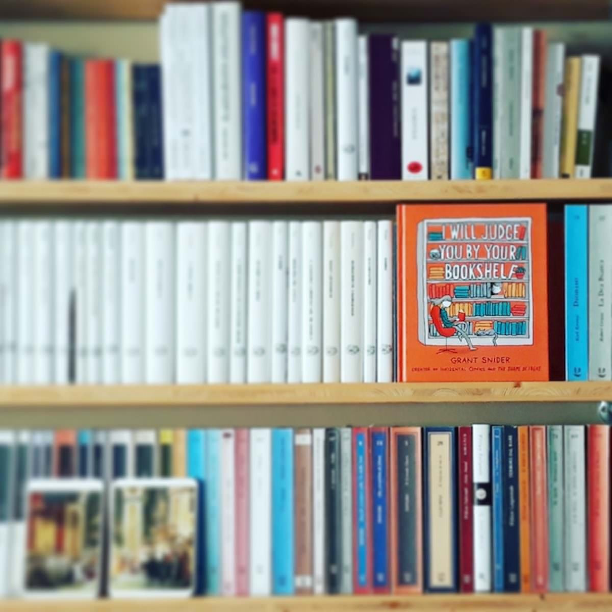 Grant Snider, I will judge you by your bookshelf
