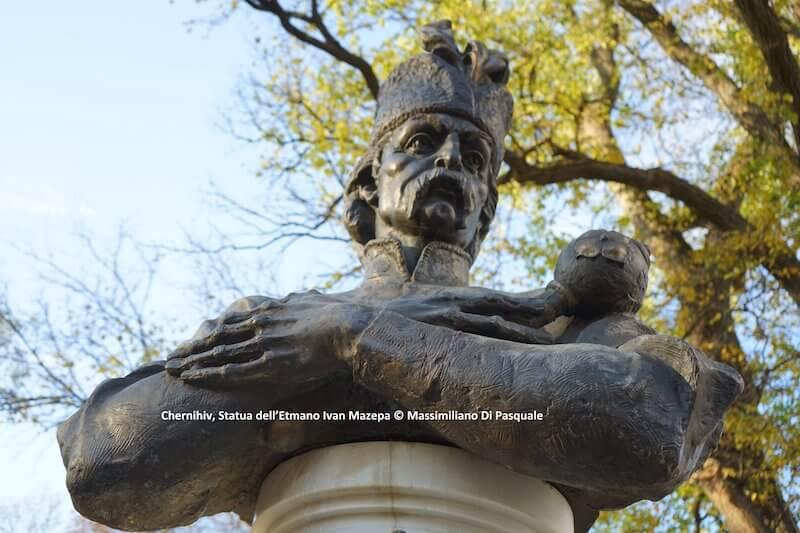 Statua dell'etmano Ivan Mazepa a Chernihiv. Foto di Massimiliano Di Pasquale