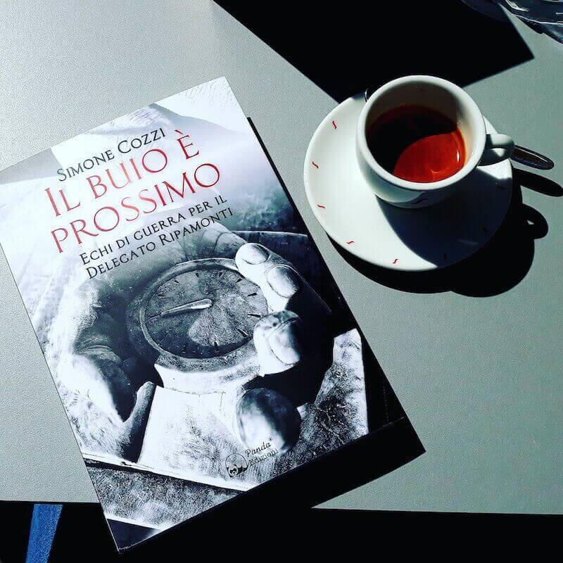 Simone Cozzi, Il buio è prossimo, Panda Edizioni (foto di Saul Stucchi)