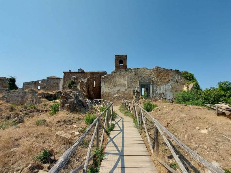 Celleno, borgo fantasma in provincia di Viterbo