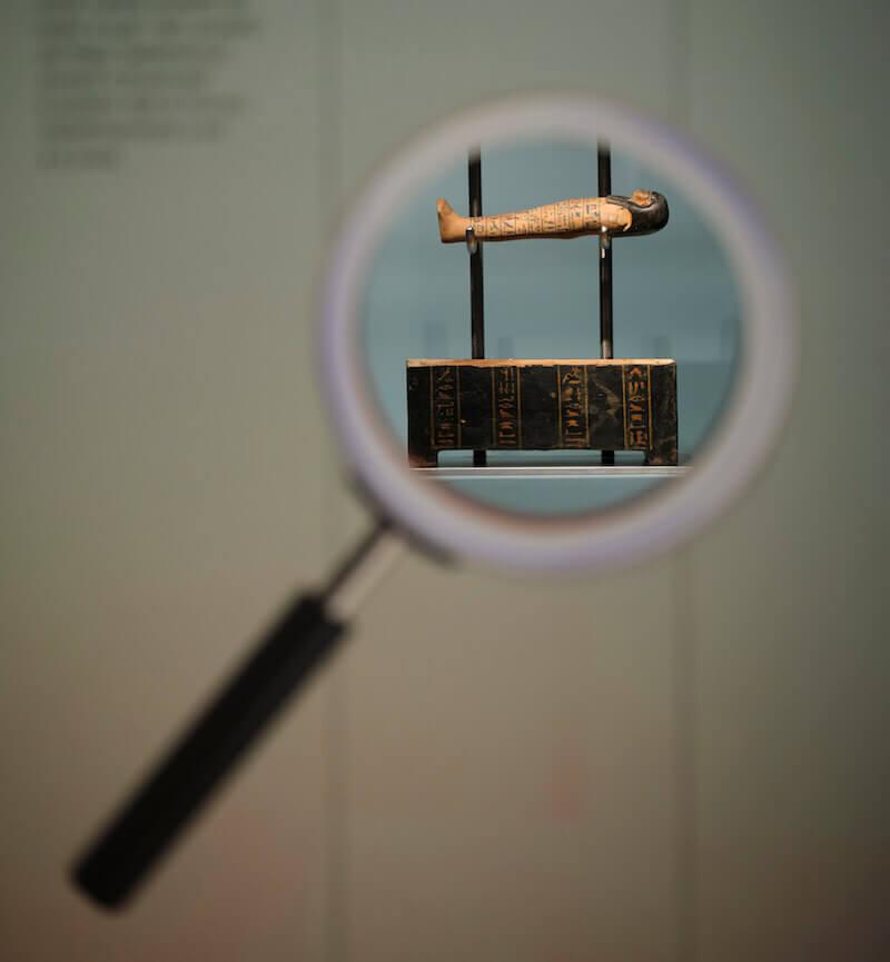"""""""Nel laboratorio dello studioso"""": il modellino di sarcofago di Kha al Museo Egizio di Torino"""