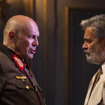 """Elio De Capitani e Ferdinando Bruni in """"Diplomazia"""" di Cyril Gely. Foto di Laila Pozzo"""